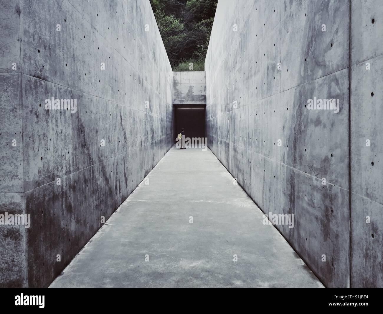 Lee Ufan museo diseñado por Tadao Ando en la isla de Naoshima en Japón Imagen De Stock