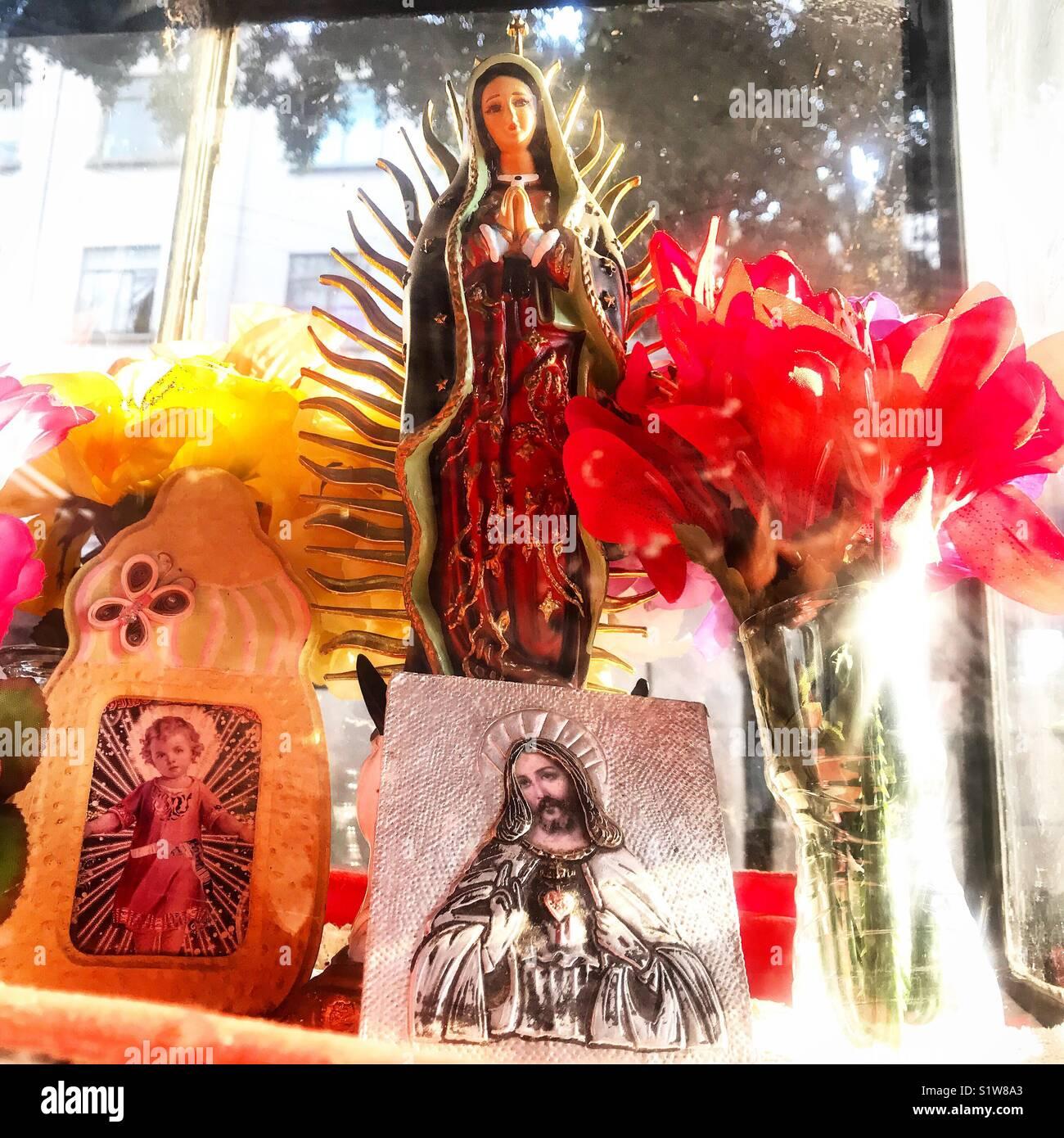 Las Imágenes Del Niño Jesús Jesucristo Y La Virgen De