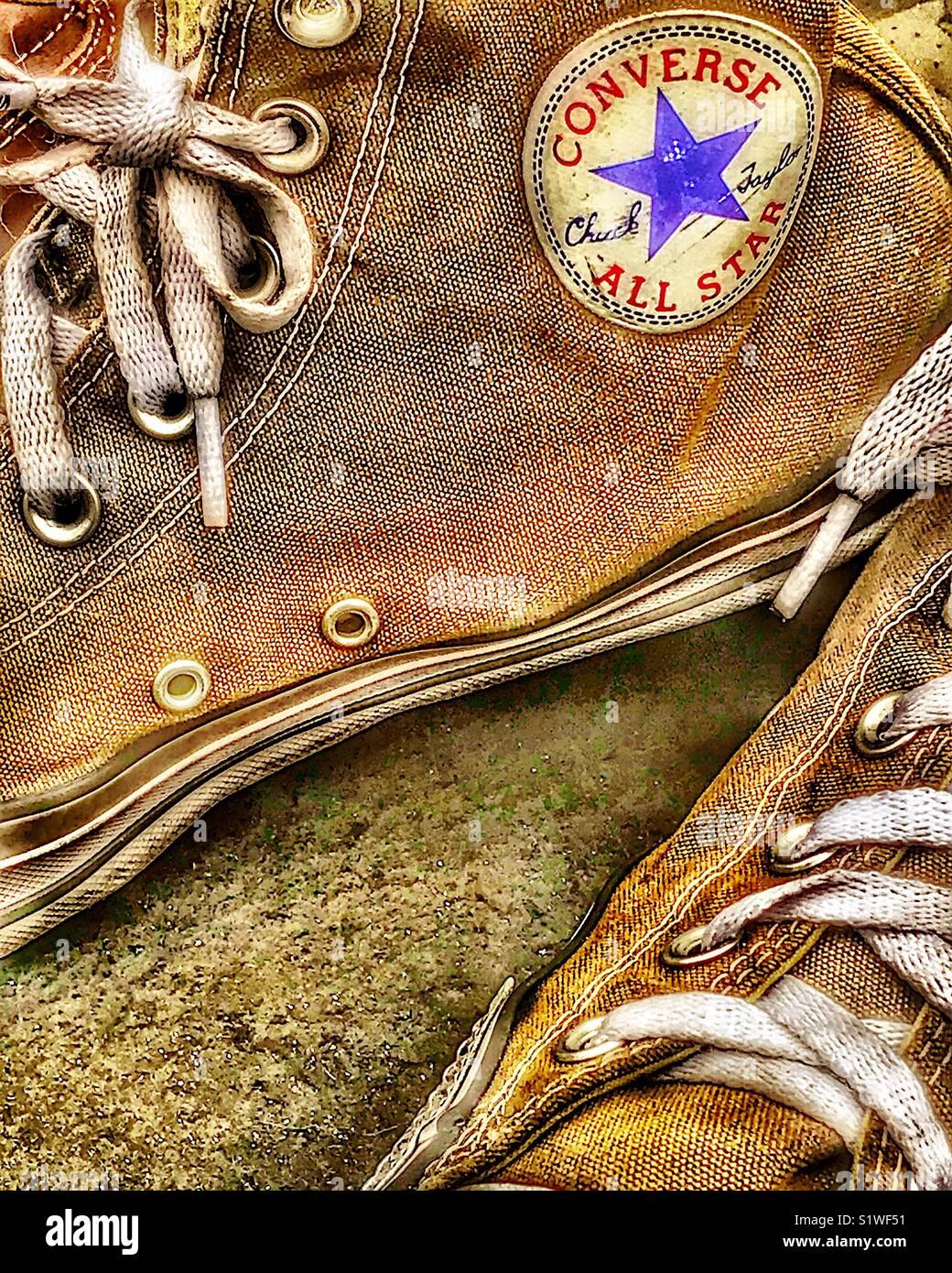matrimonio Diariamente lápiz  Un par de zapatos tenis Converse All-Star Fotografía de stock - Alamy