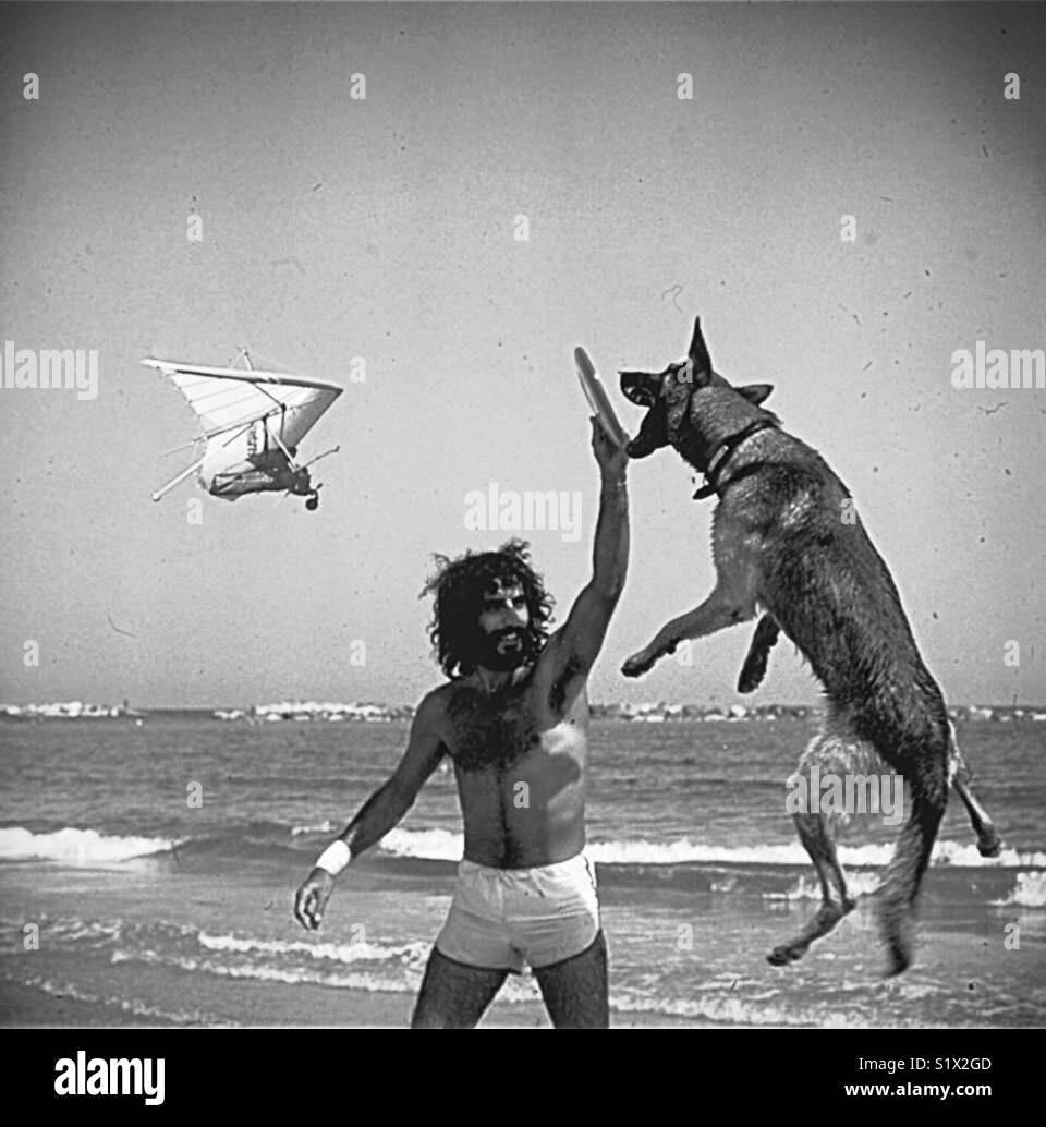 Hombre y su perro Imagen De Stock
