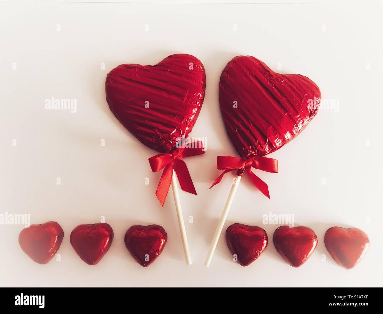 Día de San Valentín, de color rojo en forma de corazón de chocolate ...