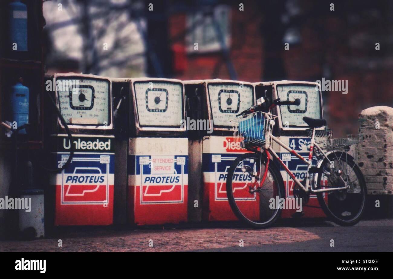 Las bombas de gasolina, Hampshire, Inglaterra Imagen De Stock