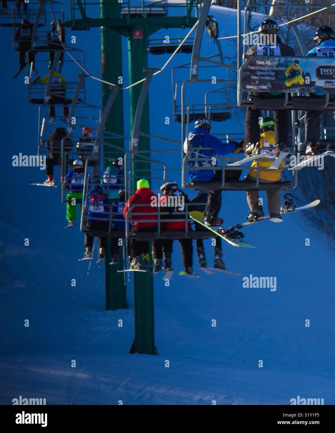 Elevación de la silla de esquí Foto de stock