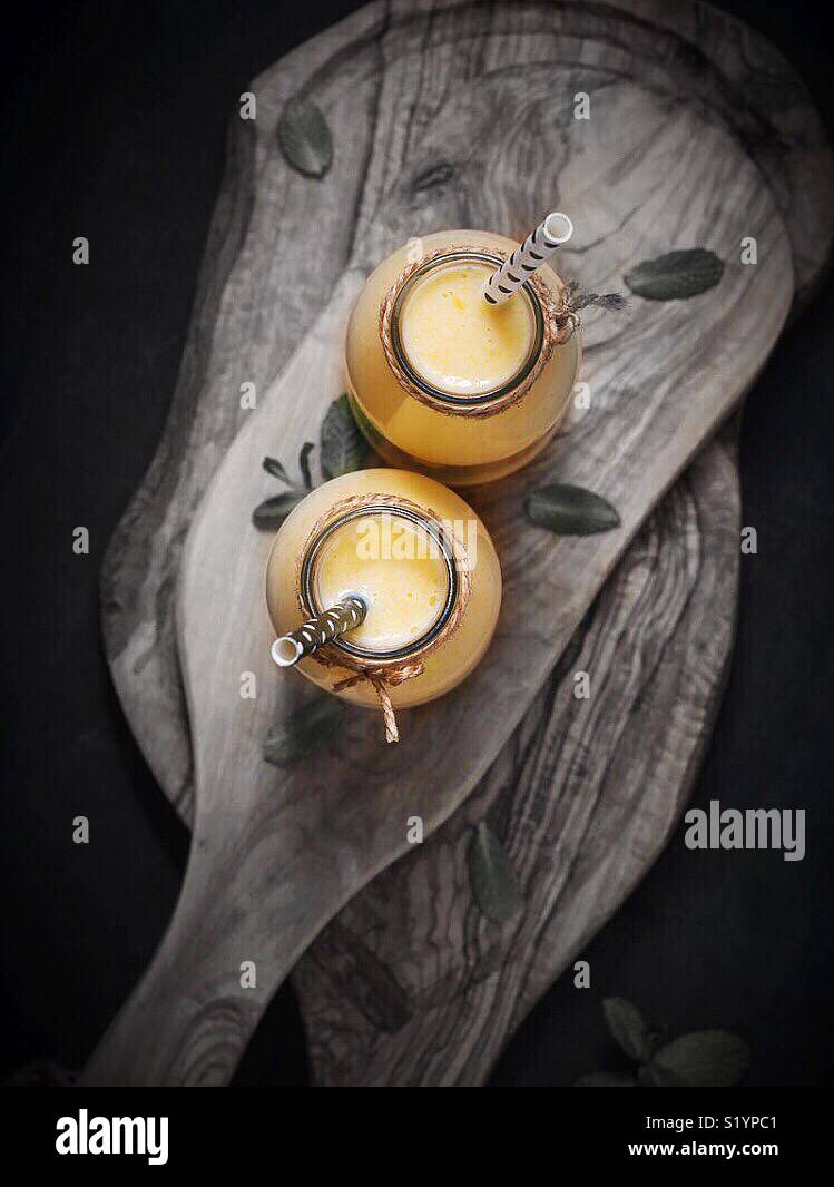 Mango smoothie de plátano Imagen De Stock