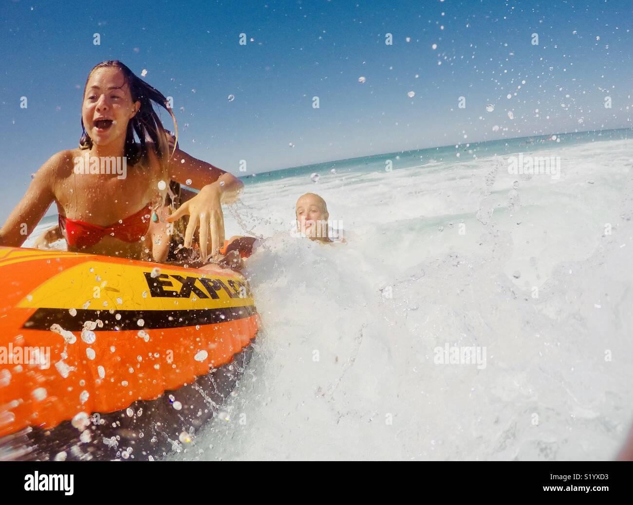 Navegando por el mar Imagen De Stock