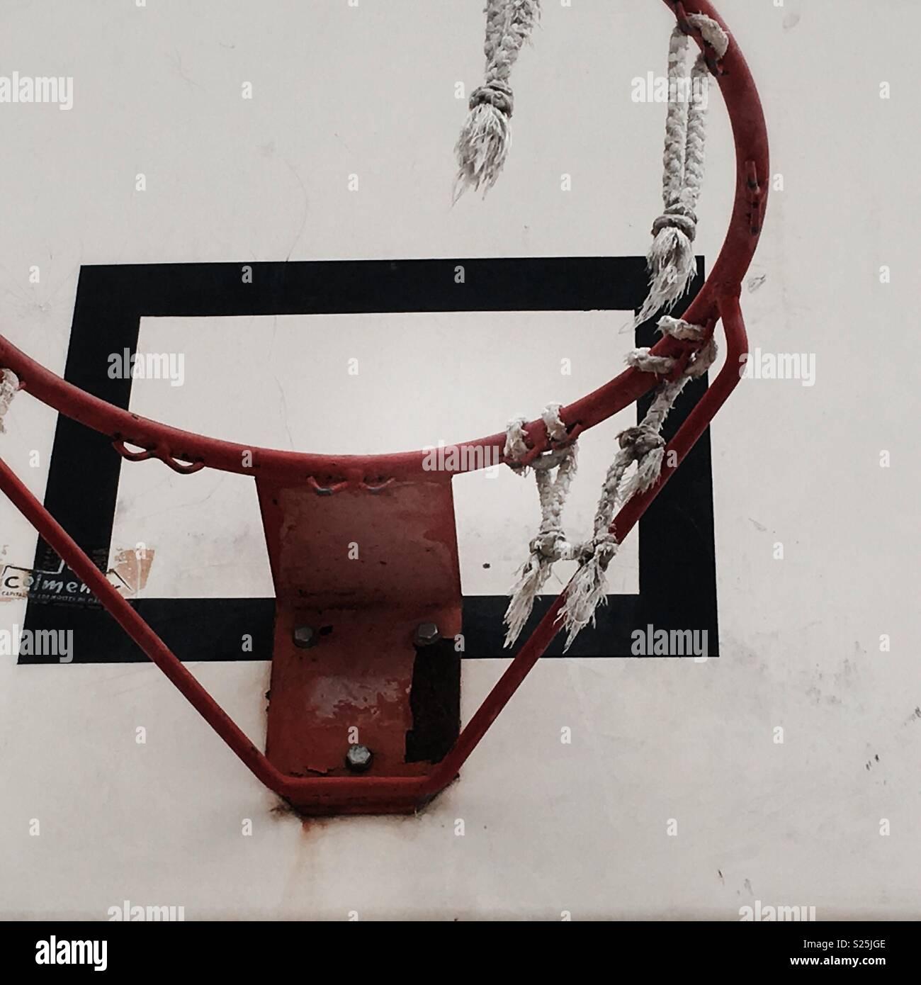 Con aro de baloncesto baloncesto net roto Imagen De Stock