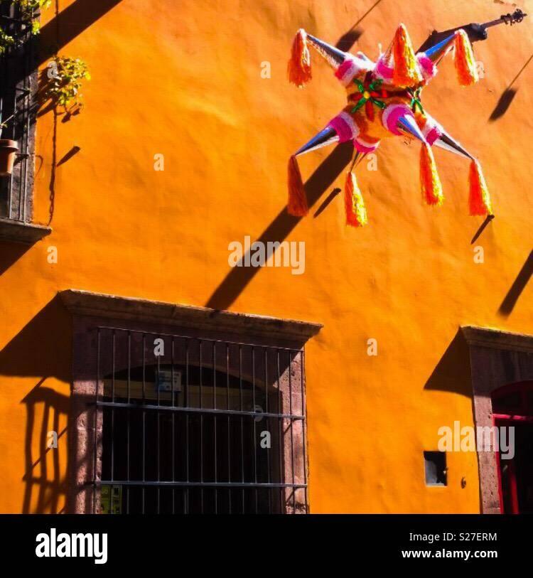 Tiempo Piñata Imagen De Stock