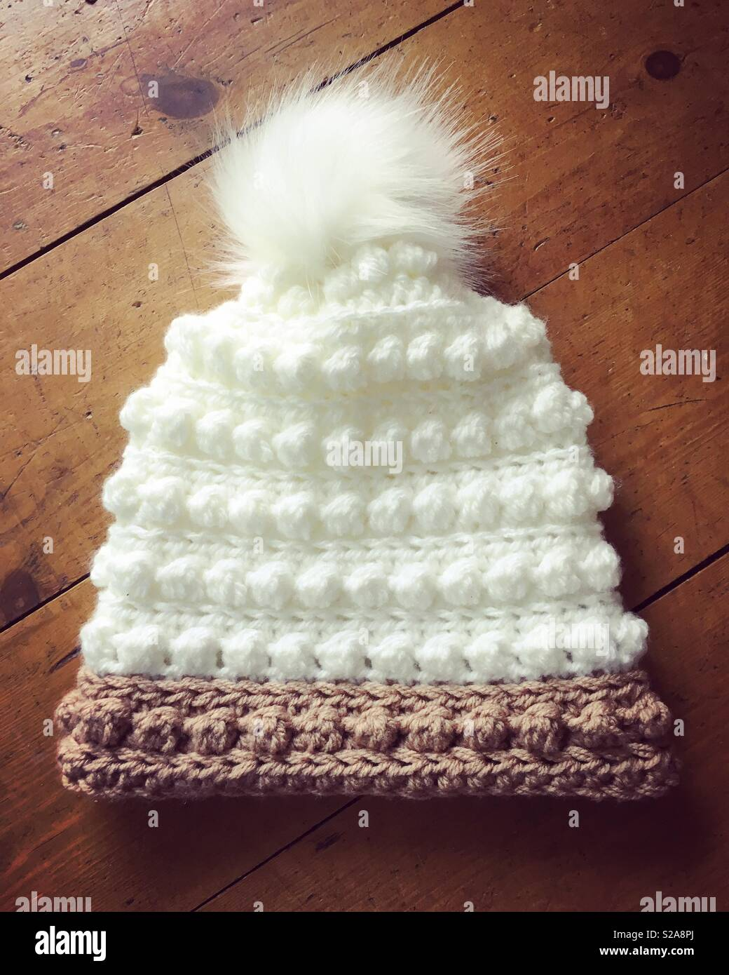 Crochet Bobble Hat Imágenes De Stock   Crochet Bobble Hat Fotos De ... 6f7580e22a0