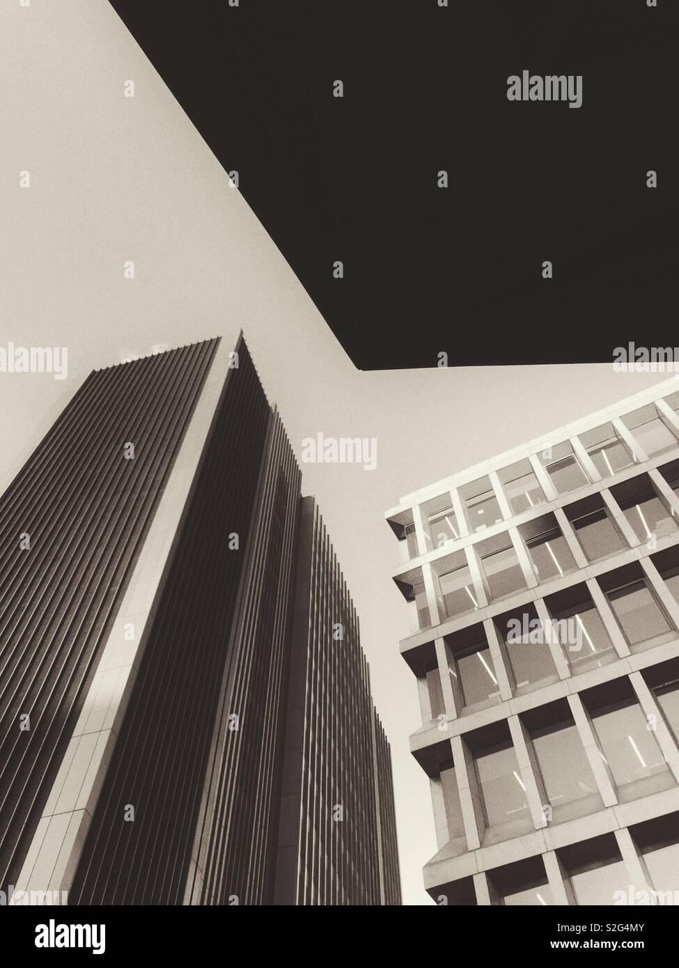 Visión abstracta de edificios en la ciudad de Londres. Foto de stock