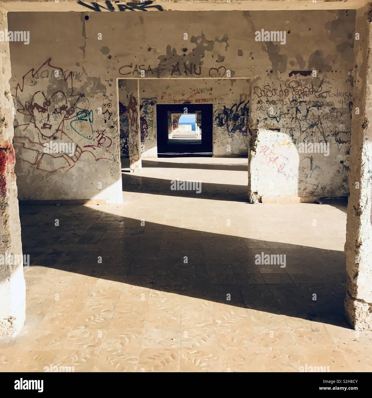 El sanatorio de Abona en Tenerife. Lugares abandonados. Imagen De Stock