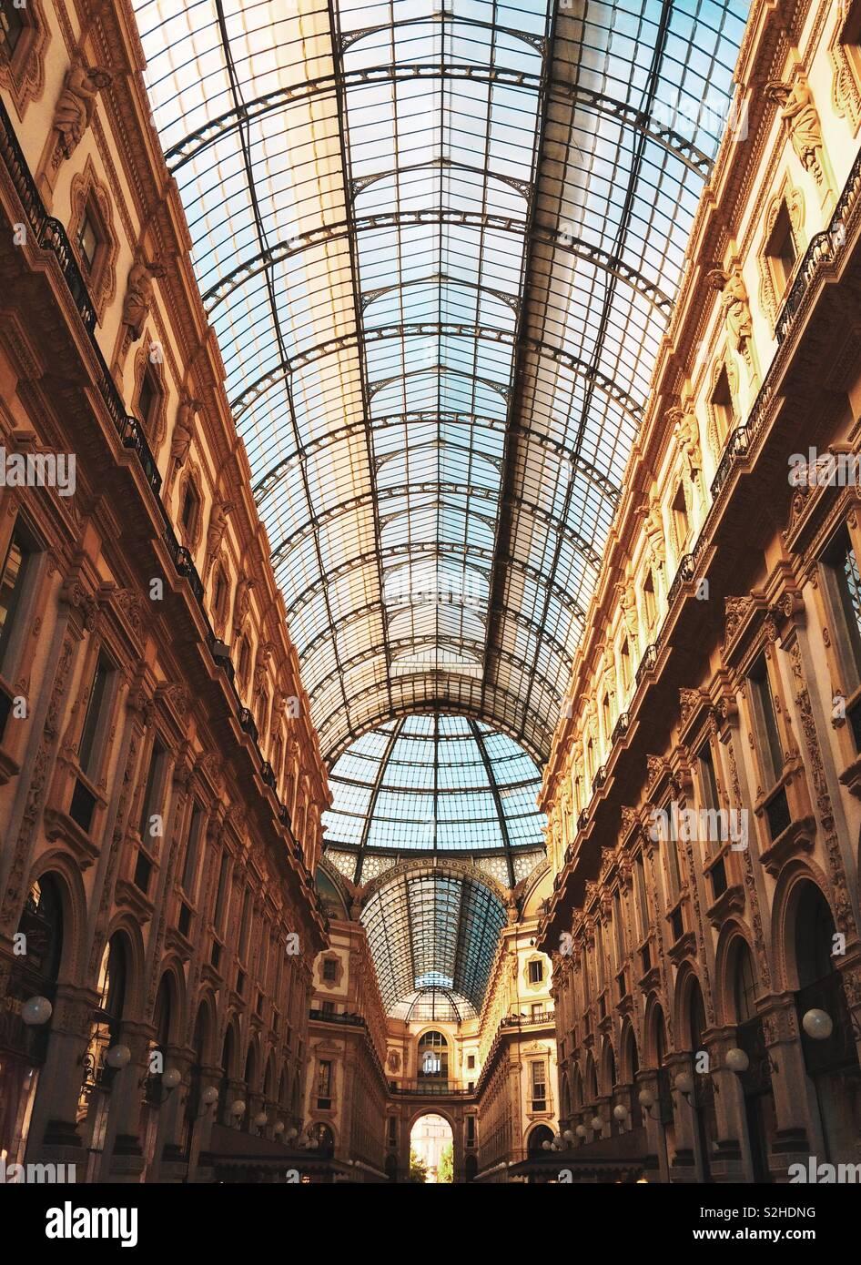 La Galleria Vittorio Emanuele de Milán, Italia Foto de stock