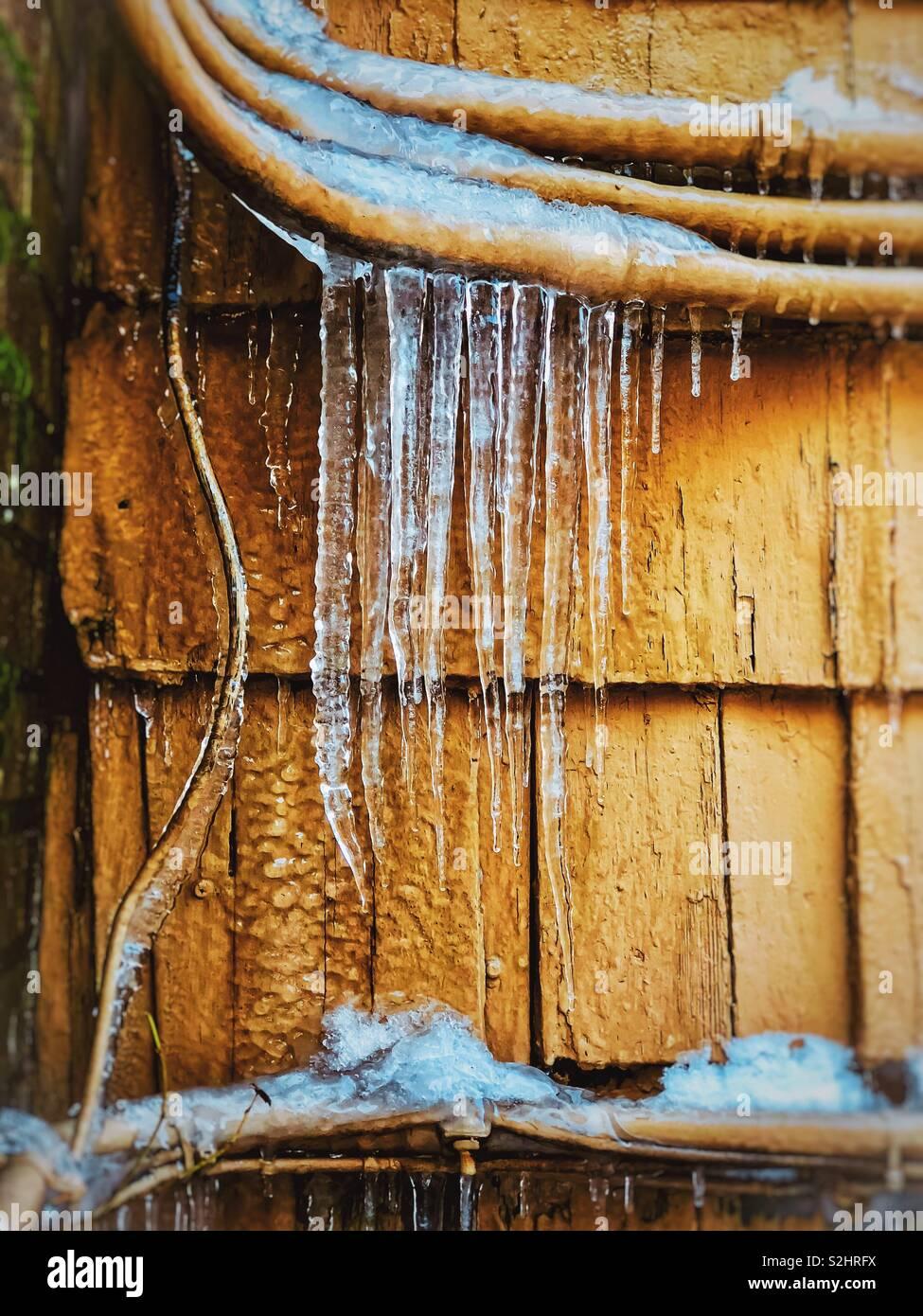 Midwest carámbanos de invierno , Fort Wayne, Indiana. Foto de stock