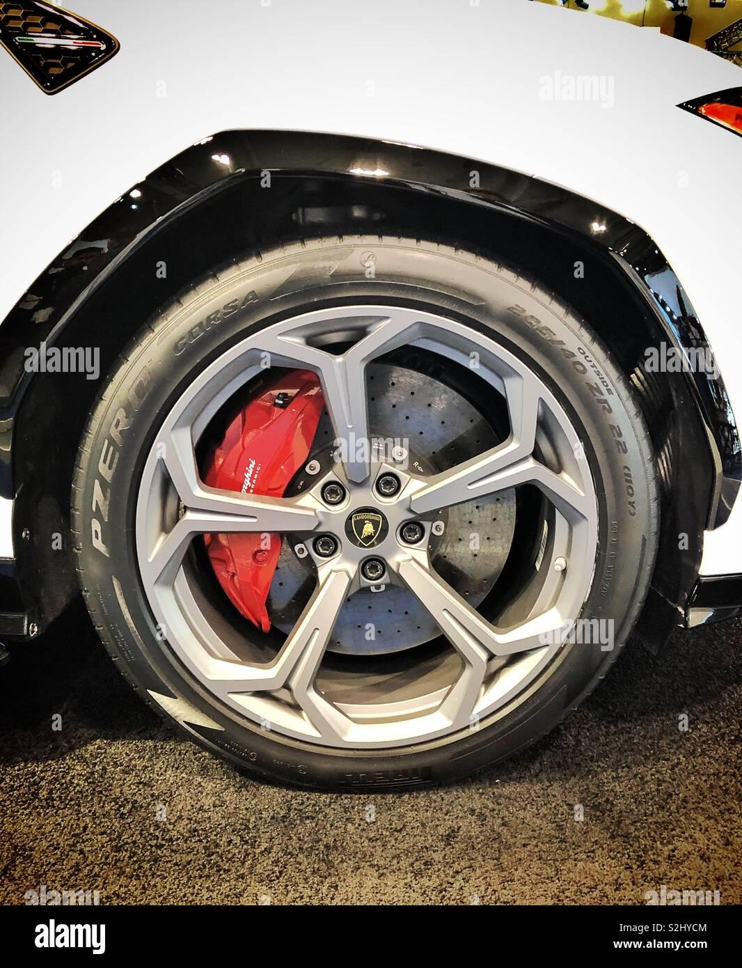 Lamborghini Urus, mayor producción de frenos y discos de freno nunca Imagen De Stock