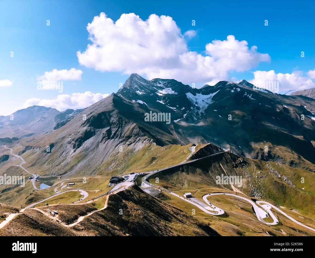 El mejor camino en el mundo. Grossglockner paso alpino de Austria. Foto de stock