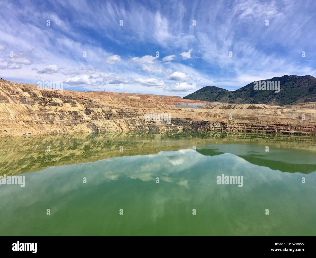 El Berkeley Pit en Butte, Montana. Imagen De Stock