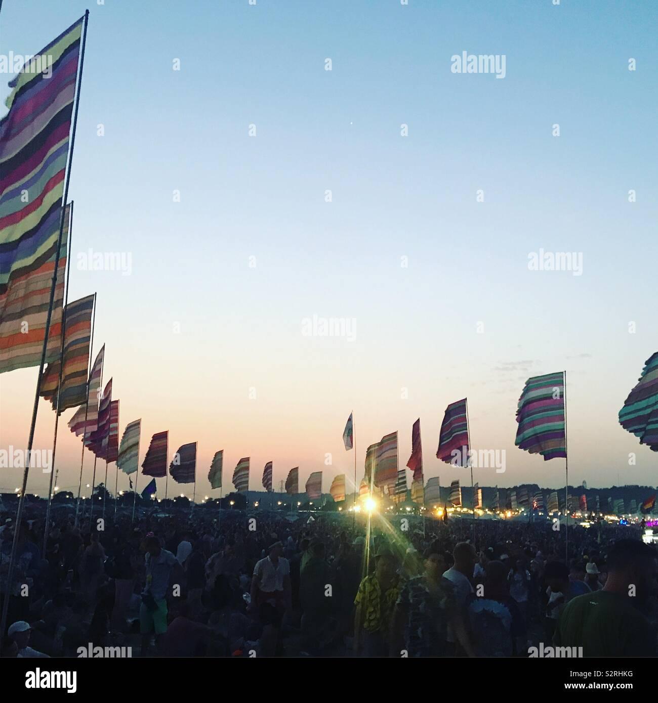 Puesta de sol en el otro escenario, el festival de Glastonbury 2019 Foto de stock