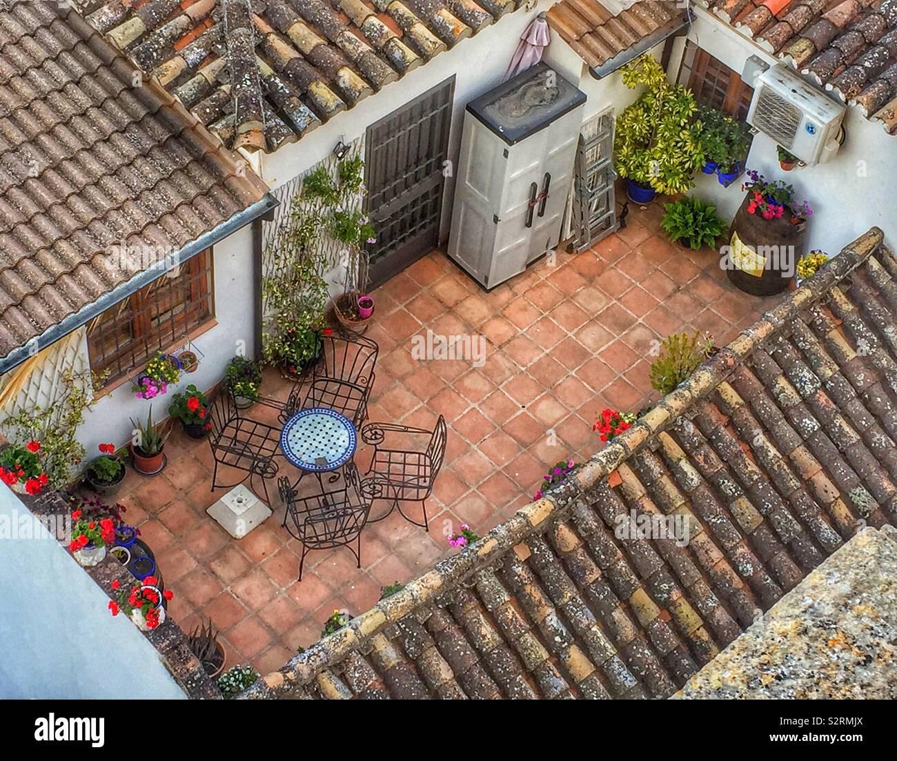 Acogedora Terraza En La Azotea De La Casa Tradicional