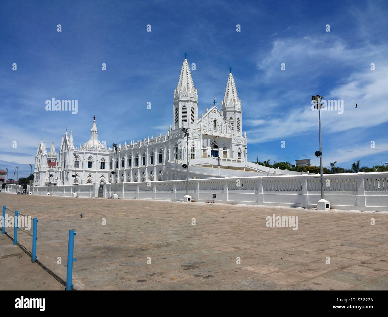 La Basílica de Nuestra Señora de la Buena Salud, también conocida como Santuario de Nuestra Señora de Vailankanni, es un santuario mariano situado en la pequeña ciudad de Velankanni en Tamil Nadu, sur de la India Foto de stock