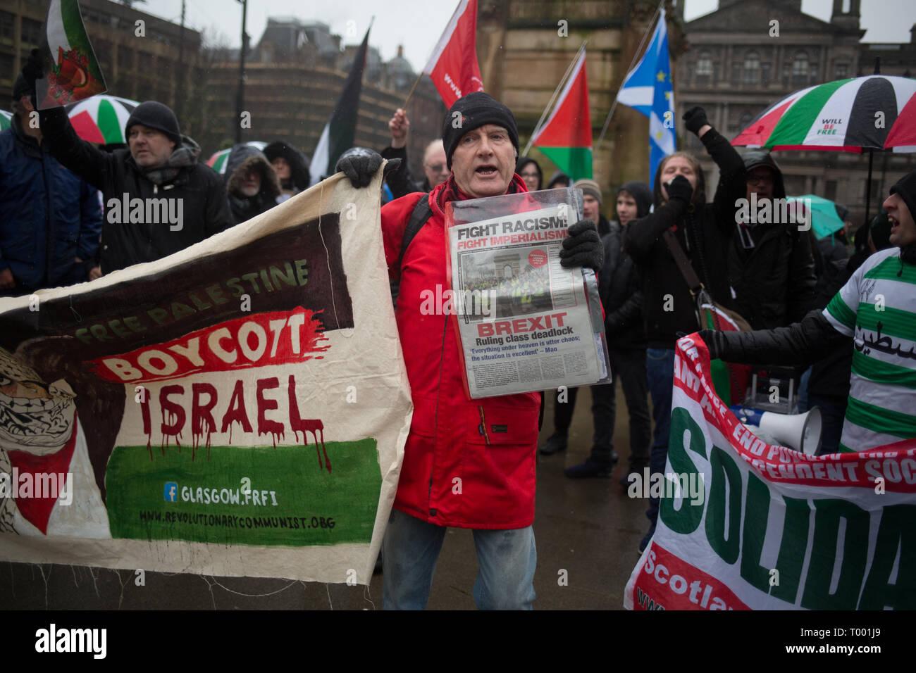 Glasgow, Escocia, el 16 de marzo de 2019. Pro-Israel Pro-Palestine y grupos se reúnen en un mitin anti-racismo en George Square, en Glasgow, Escocia, el 16 de marzo de 2019. Foto por: Jeremy Sutton-Hibbert/Alamy Live News. Foto de stock