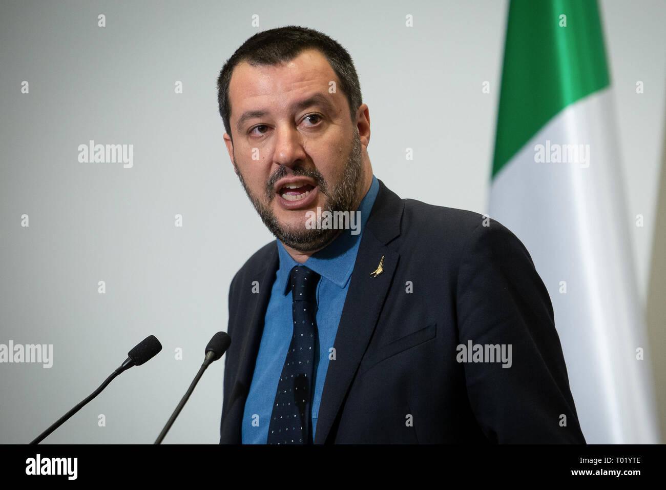 El Viceprimer Ministro italiano Matteo Salvini durante la conferencia de prensa con el Ministro del Interior polaco Joachim Brudzinski al Ministerio del Interior en Varsovia, Polonia, del 9 de enero de 2019 Imagen De Stock