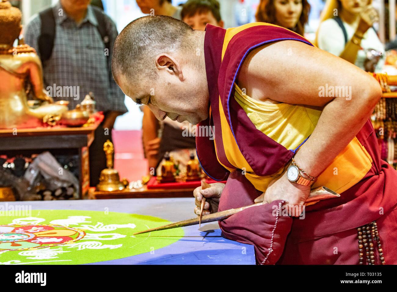 Festival de Orient monje tibetano - Mandala cerimony Crédito: Realmente fácil Star/Alamy Live News Foto de stock