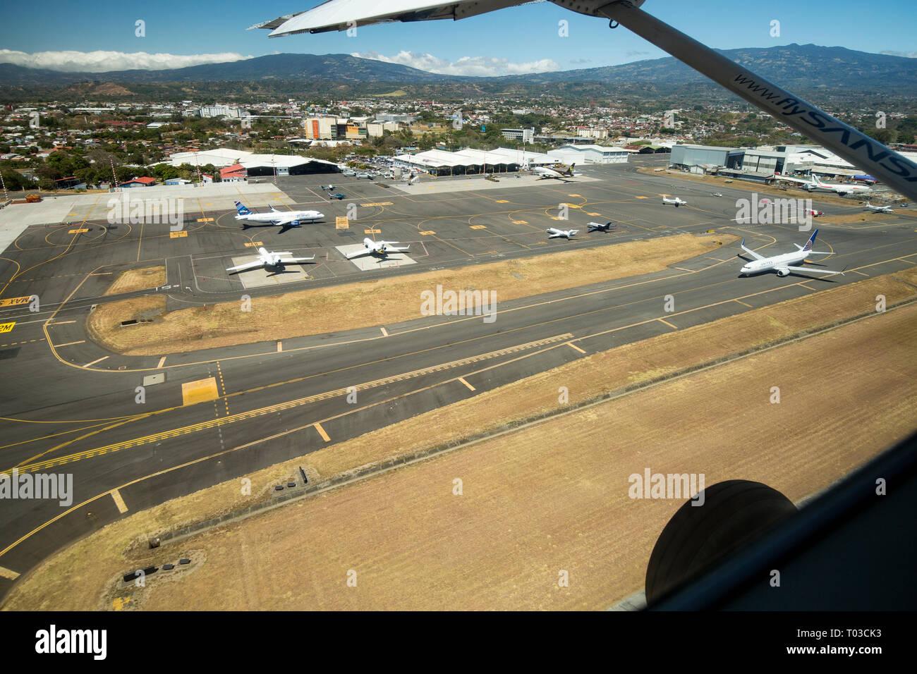 Aeropuerto de Costa Rica San José. Imagen De Stock