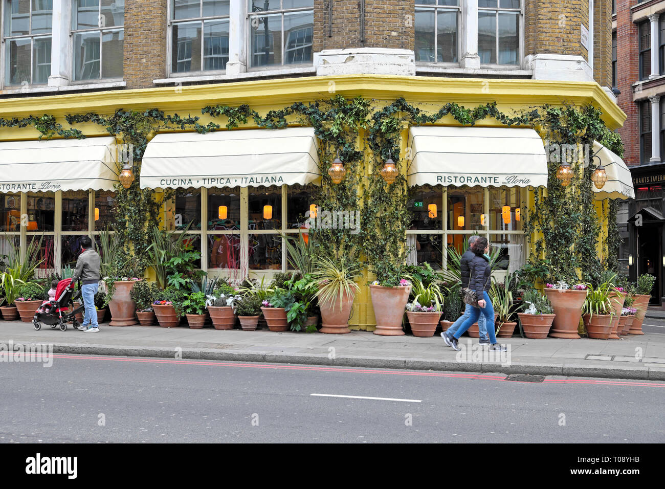 Italian Restaurant London Fotos E Imagenes De Stock Pagina 3 Alamy