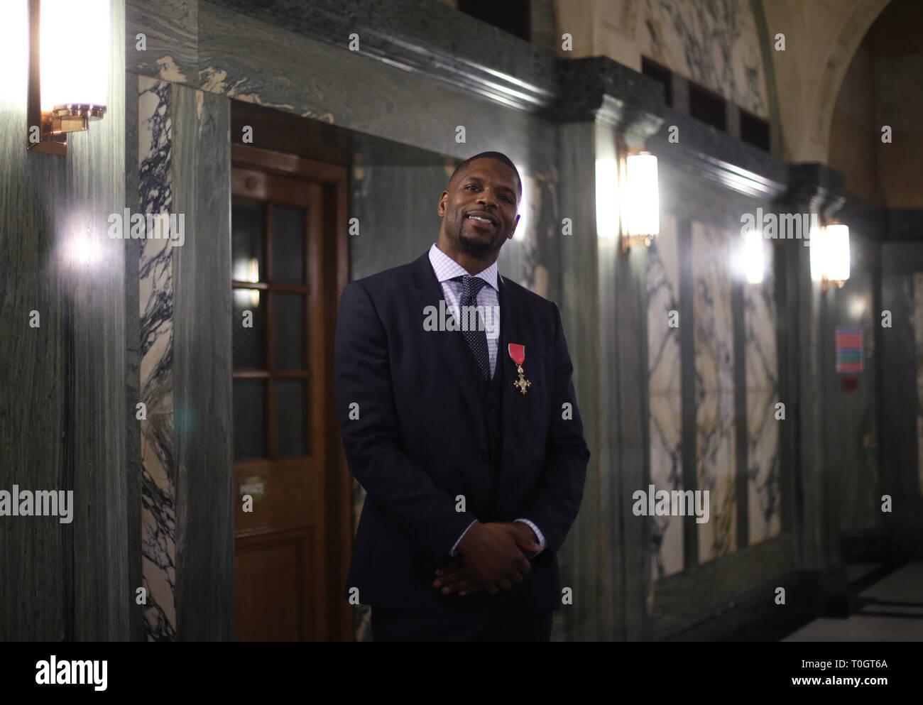 El Dr. Mark Prince OBE durante una fiesta en su honor organizada por la City of London Corporation, en el Old Bailey, en Londres. Mark de 15 años de edad, hijo, PRÍNCIPE Kiyan, fue brutalmente apuñalado y asesinado por pacíficamente intentando romper una pelea en el exterior de su escuela el 18 de mayo de 2006. Imagen De Stock