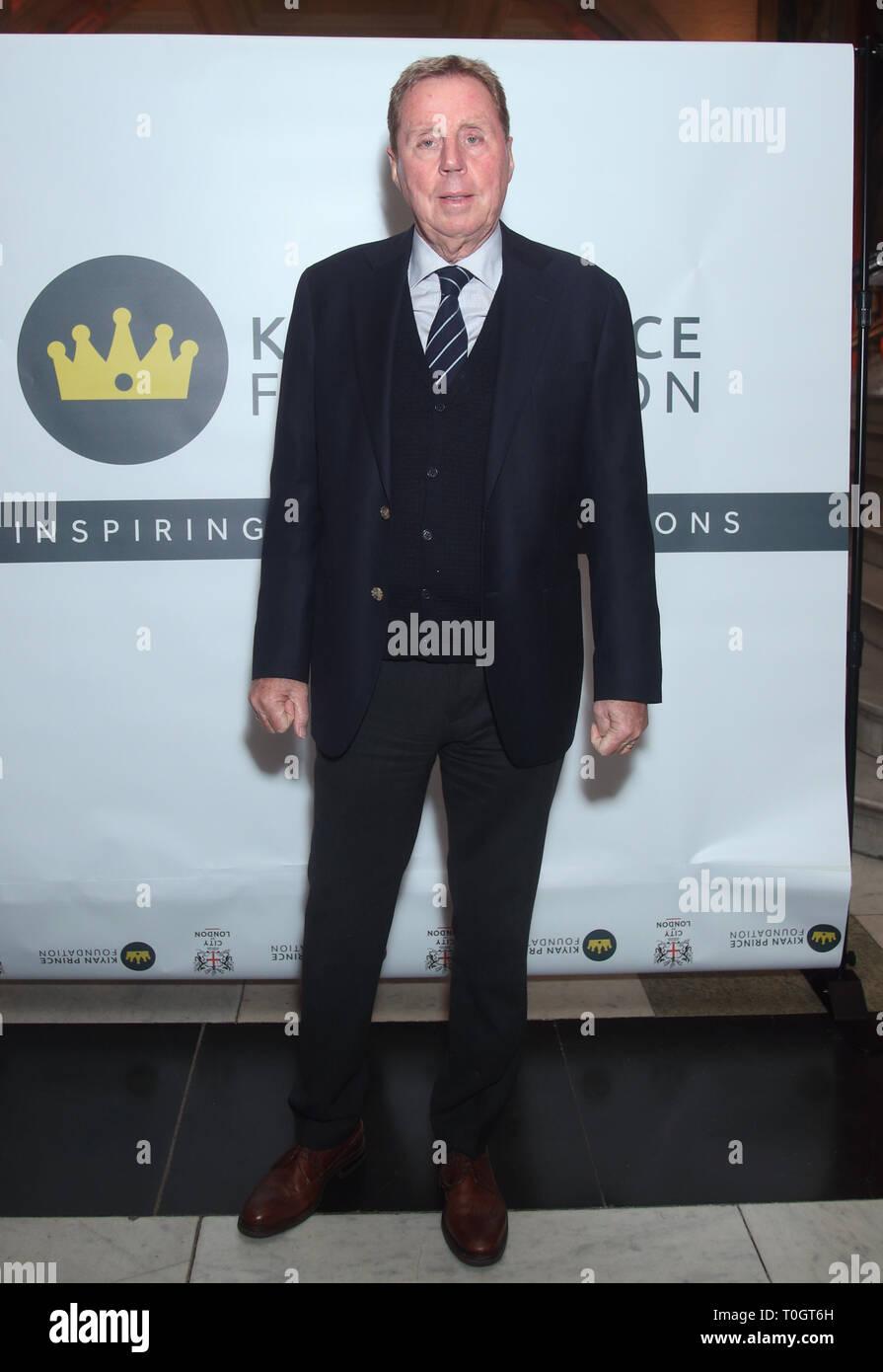 Harry Redknapp asistir a una celebración en honor a Dr. Mark Prince OBE, auspiciada por la City of London Corporation, en el Old Bailey, en Londres. Mark de 15 años de edad, hijo, PRÍNCIPE Kiyan, fue brutalmente apuñalado y asesinado por pacíficamente intentando romper una pelea en el exterior de su escuela el 18 de mayo de 2006. Imagen De Stock