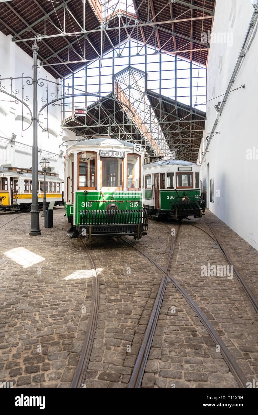 Porto, Portugal; el 28 de septiembre de 2018. Museo del Automóvil de tranvía Imagen De Stock
