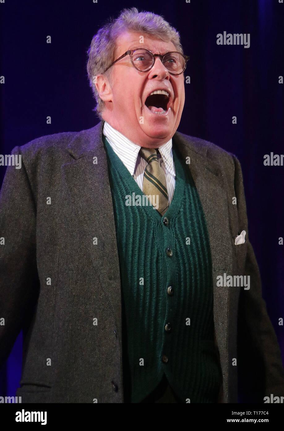 Jun 06, 2016 - Londres, Inglaterra, Reino Unido - El Go Entre foto llamada, Apollo Theatre, Shaftesbury Avenue Michael Crawford lidera el elenco de la nueva West End Imagen De Stock