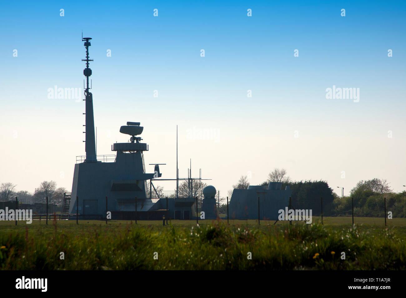 BAE, barco, radar, pruebas de perforación, maquetas, plataforma marina, buques de guerra, fábrica, base, Northwood, la Isla de Wight, Inglaterra, Reino Unido Imagen De Stock