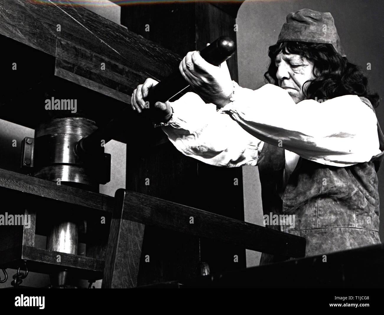 """Exposiciones, historia, exposición 'Schwarze Kunst"""", la reproducción de una imprenta de Gutenberg, la oficina central de la Sparkasse, Grosser Bursstah de Hamburgo, Hamburgo, 15.3. - 23.4.1971-Clearance-Info-Not-Available Additional-Rights Foto de stock"""