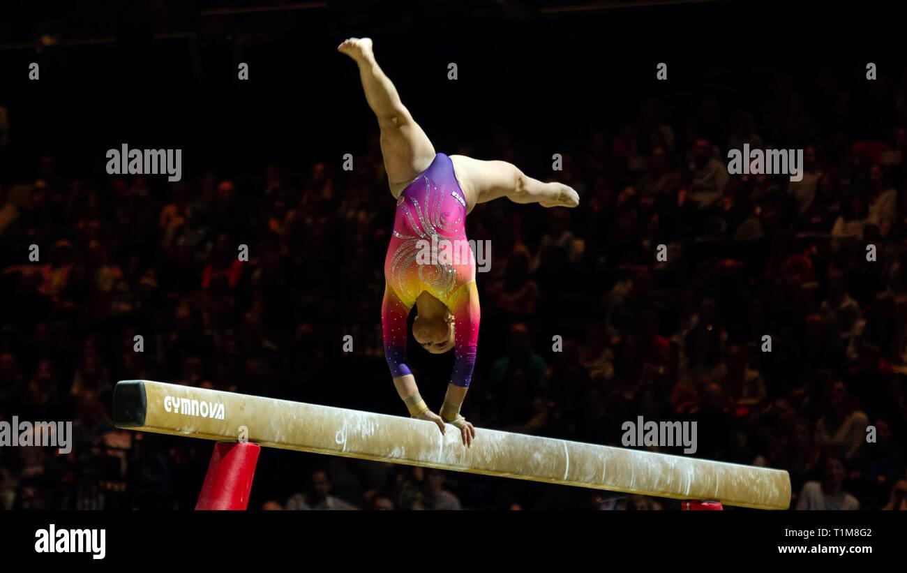 Birmingham, Inglaterra, Reino Unido. 23 de marzo, 2019. Brasil Fidélis tailandeses en acción durante la competición, haz de la mujer durante el 2019, la Copa del Mundo de gimnasia Foto de stock