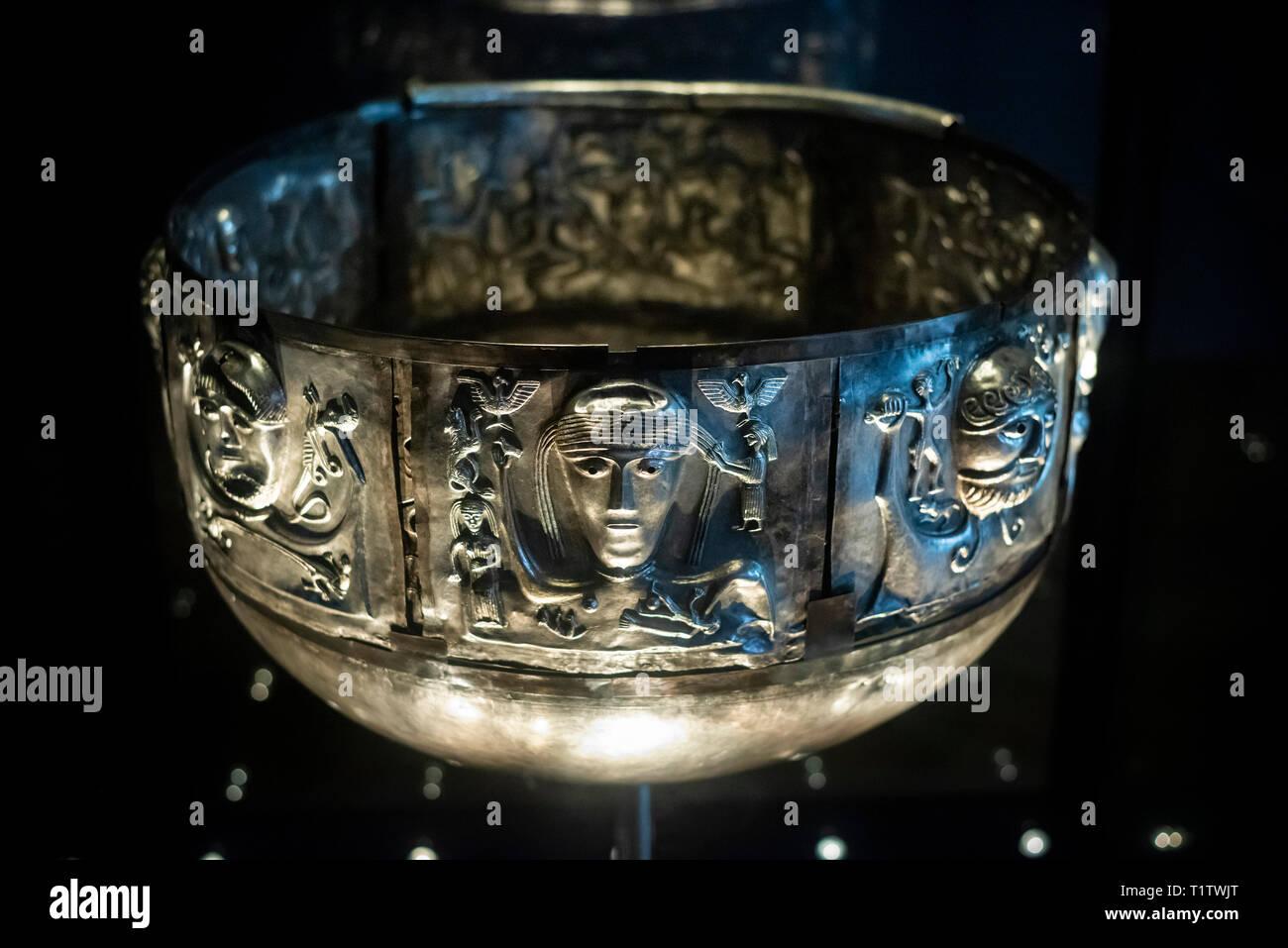 Copenhague. Dinamarca. El caldero de Gundestrup, ricamente decorado Silver Bowl, el Museo Nacional de Dinamarca. El caldero de Gundestrup, pensado hasta la fecha a partir de Foto de stock