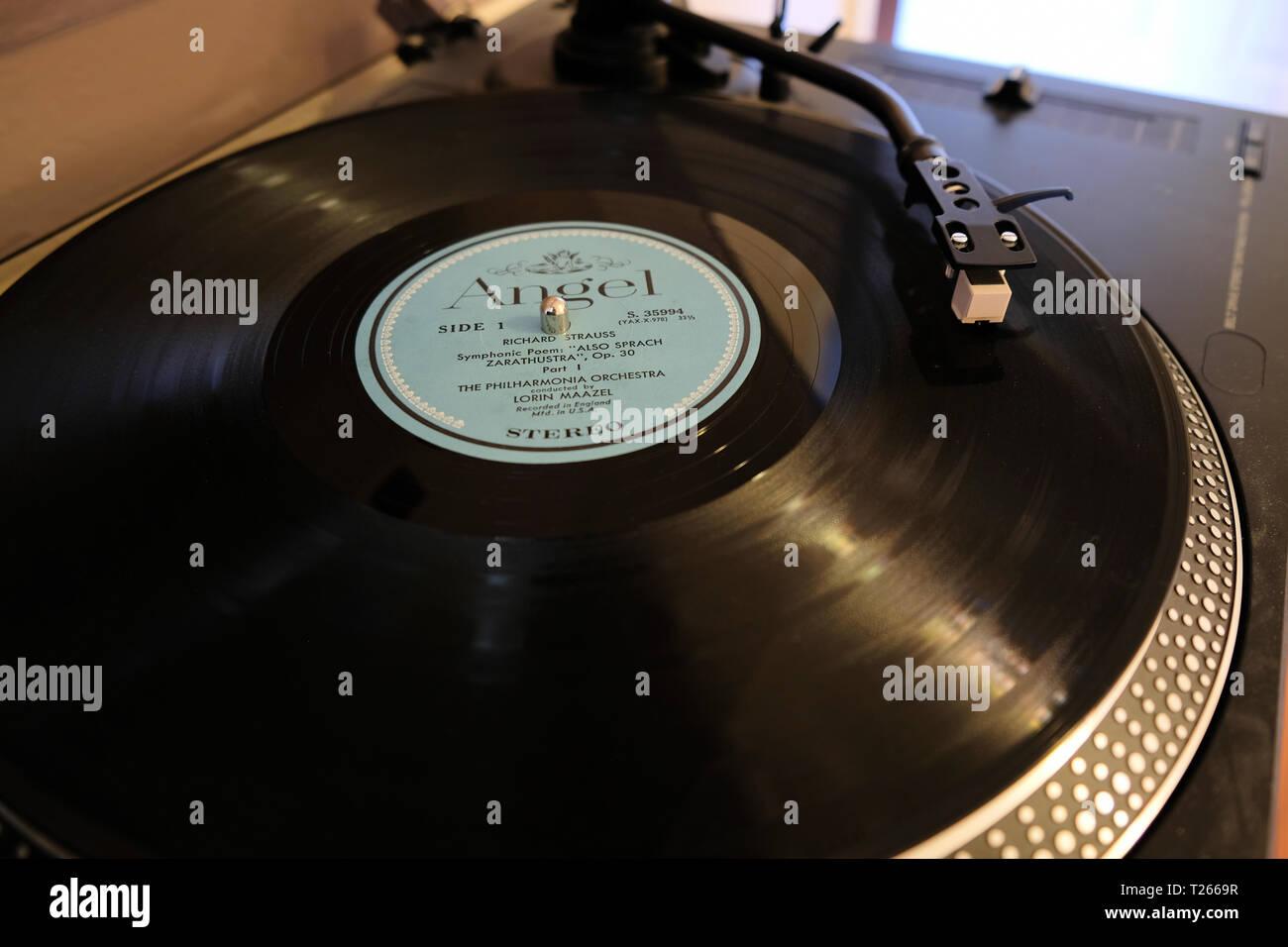 Richard Strauss: También Sprach Zaratustra; Lorin Maazel, director de orquesta; Philharmonia Orchestra; Angel Registros; 12' 33 rpm, LP; 1963 release. Foto de stock