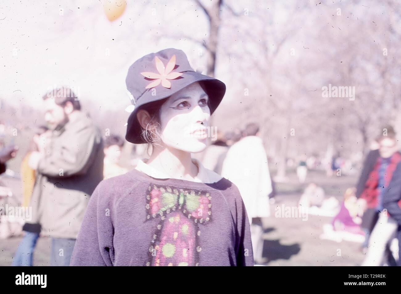 dd6a5b2fc310c Hippie Hat Imágenes De Stock   Hippie Hat Fotos De Stock - Alamy