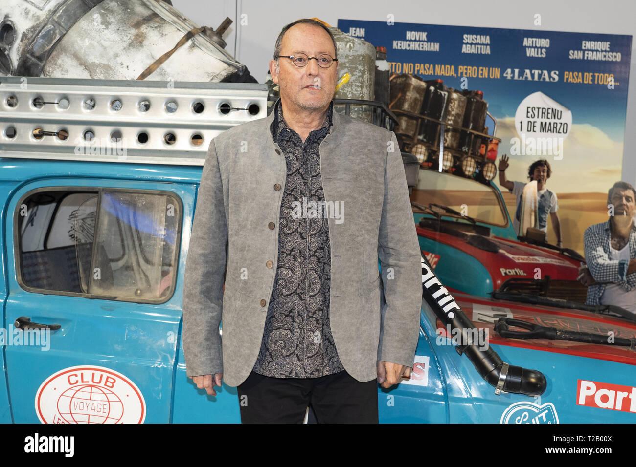 El actor francés Jean Reno asiste al '4 Latas' Estreno en Paz Cine en Madrid con: Jean Reno, donde: Madrid, España cuando: El 28 de febrero de 2019 Crédito: Oscar Gonzalez/WENN.com Foto de stock