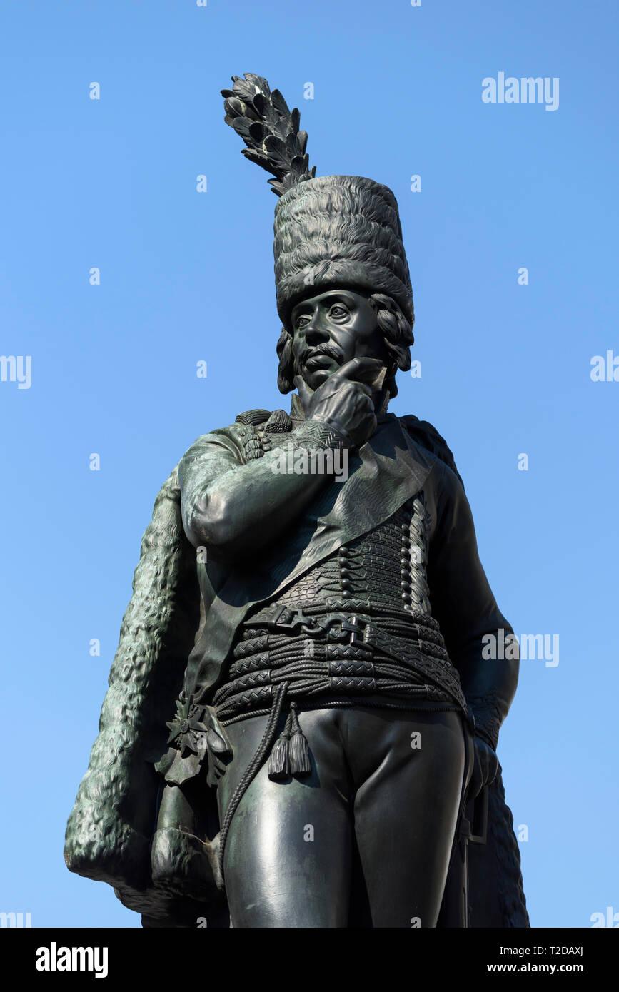 Berlín. Alemania. Estatua de bronce de Hans Joachim von Zieten (1699-1786), General de caballería en el ejército prusiano, en Zietenplatz. Der Cavallerie General v Foto de stock