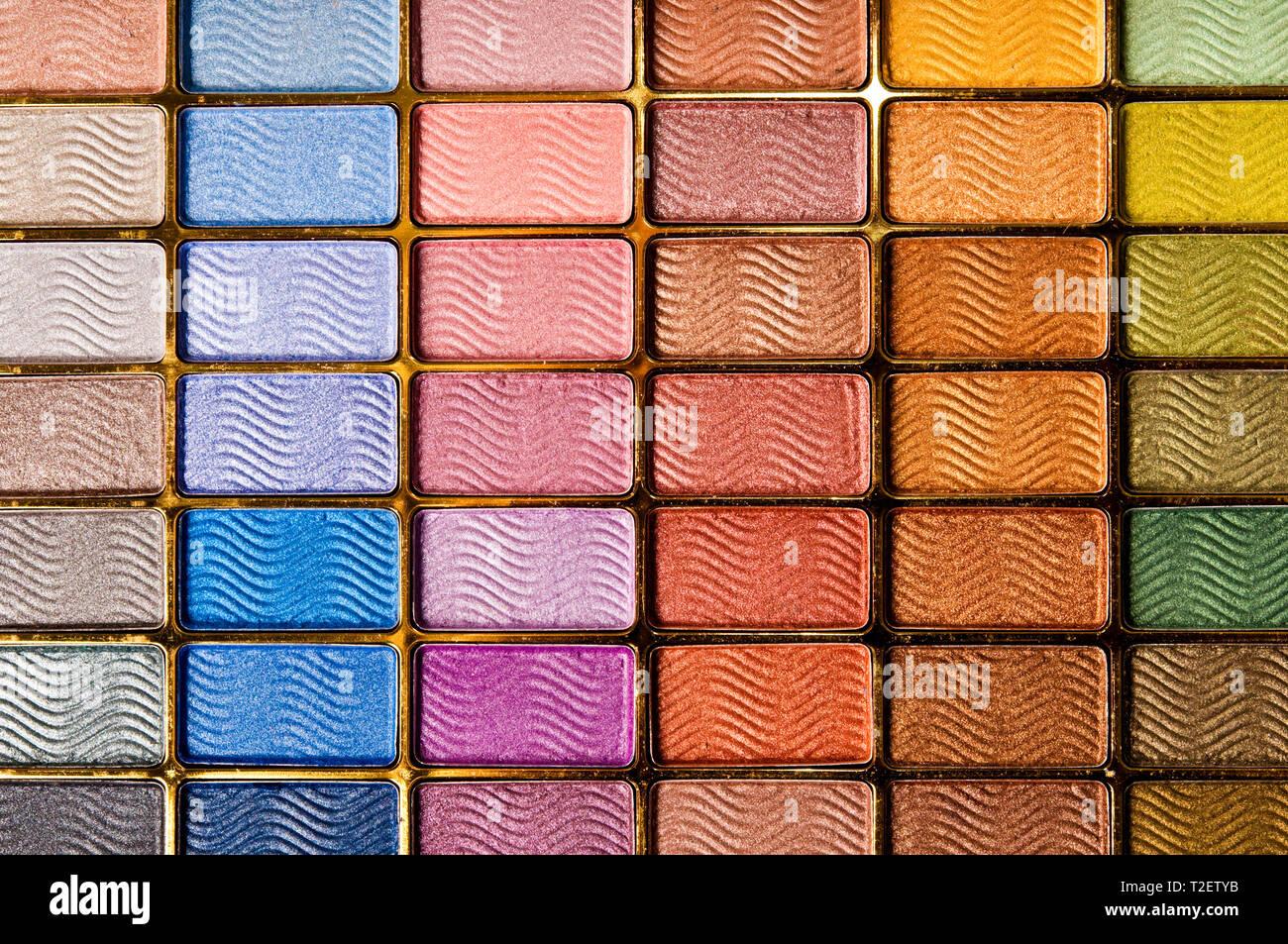 Patrón de colores de un cuadro de maquillaje Foto de stock