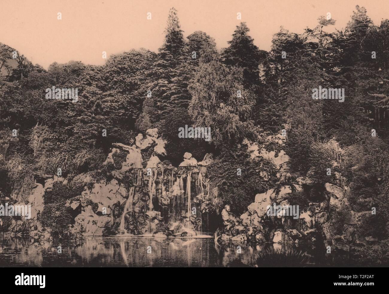 Bois de Boulogne - La Cascade Foto de stock