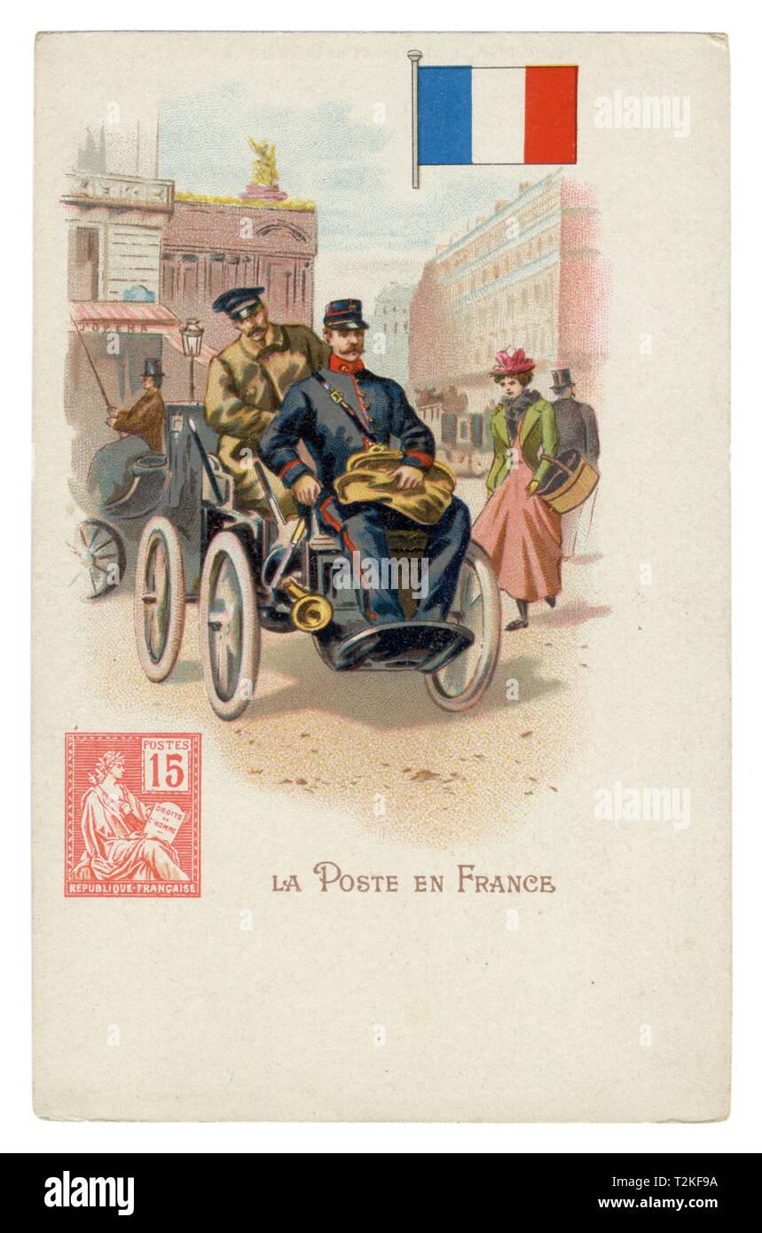 Histórico francés chromolithographic postal: World Series post. Puesto francés. Cartero en coche por las calles de París. La bandera y el sello de Francia Foto de stock