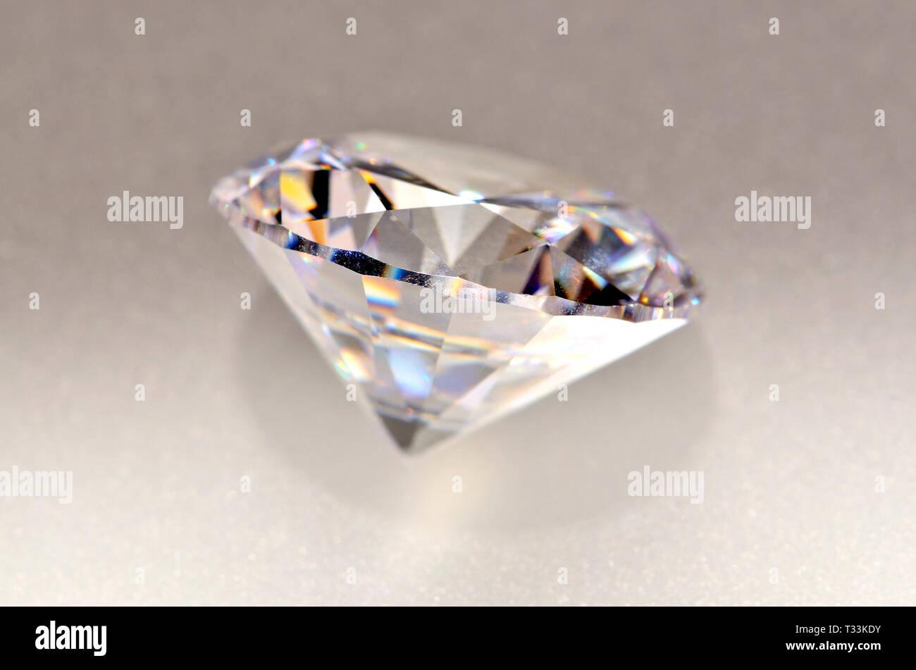 Diamante de corte redondo (Sintético - zirconia cúbico) Imagen De Stock