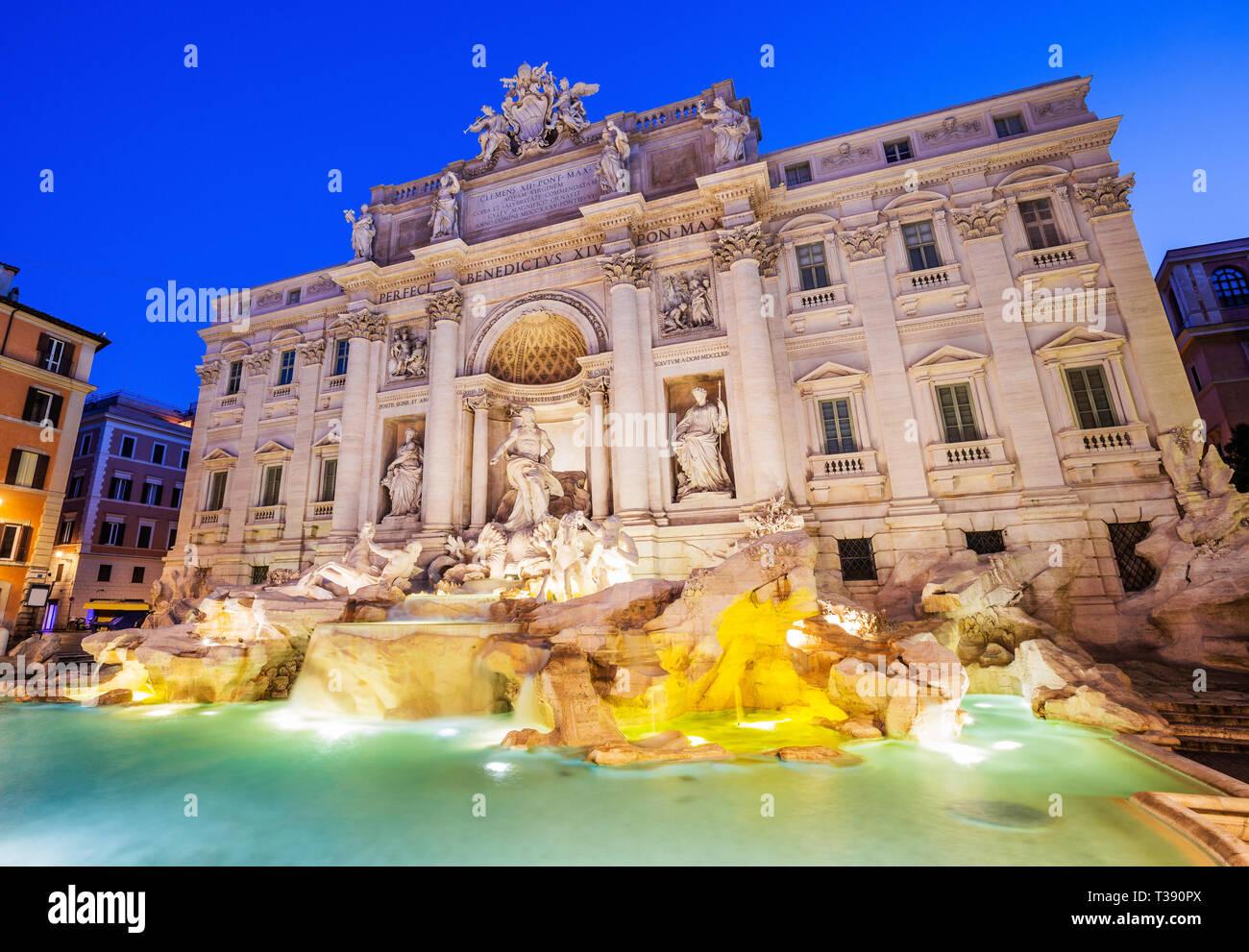 Roma, Italia. Fontana de Trevi (Fontana di Trevi) fuente más famosa de Roma. Foto de stock