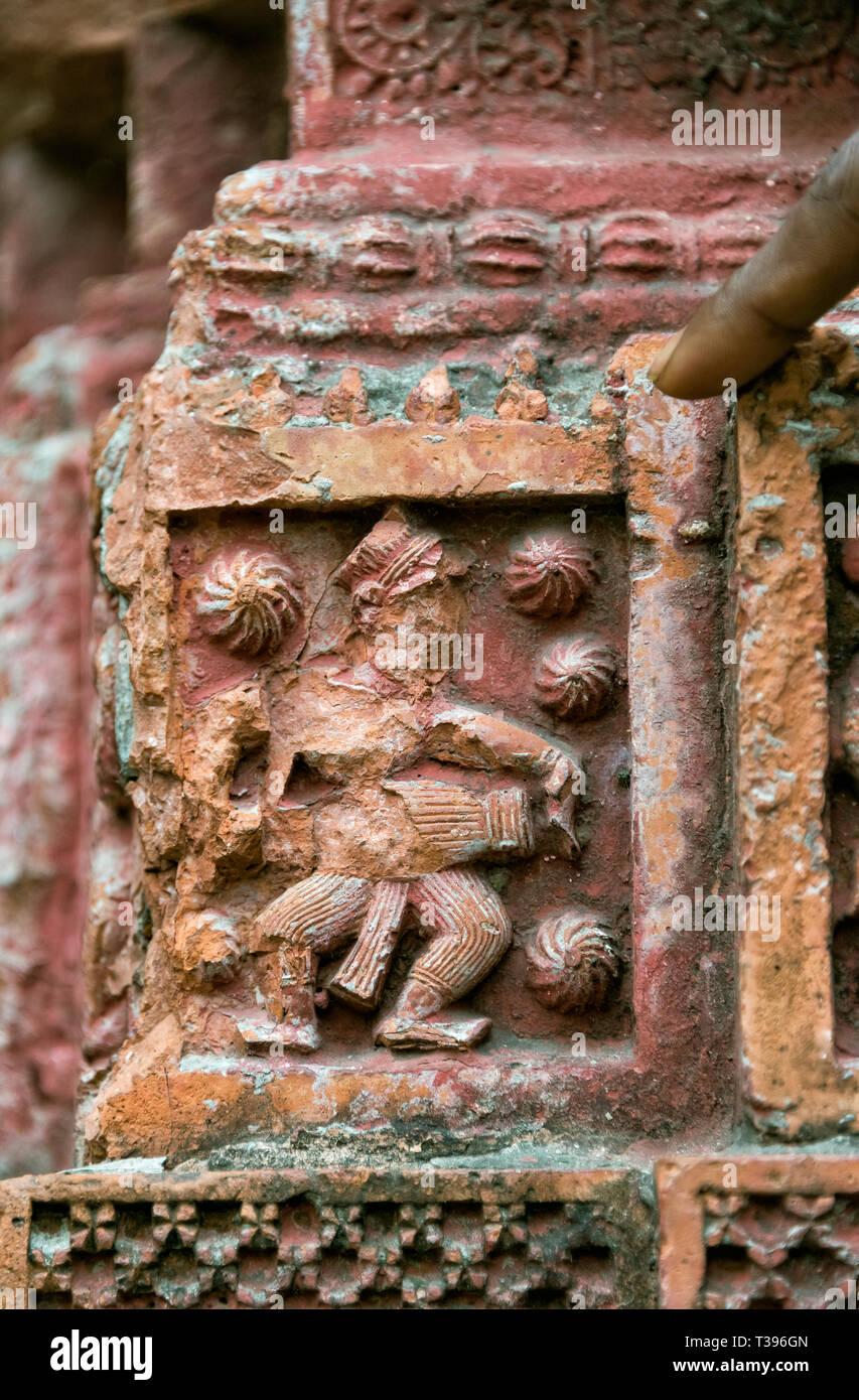 Cerca del relieve tallado, Puthia templo complejo, división de Rajshahi, Bangladesh Imagen De Stock