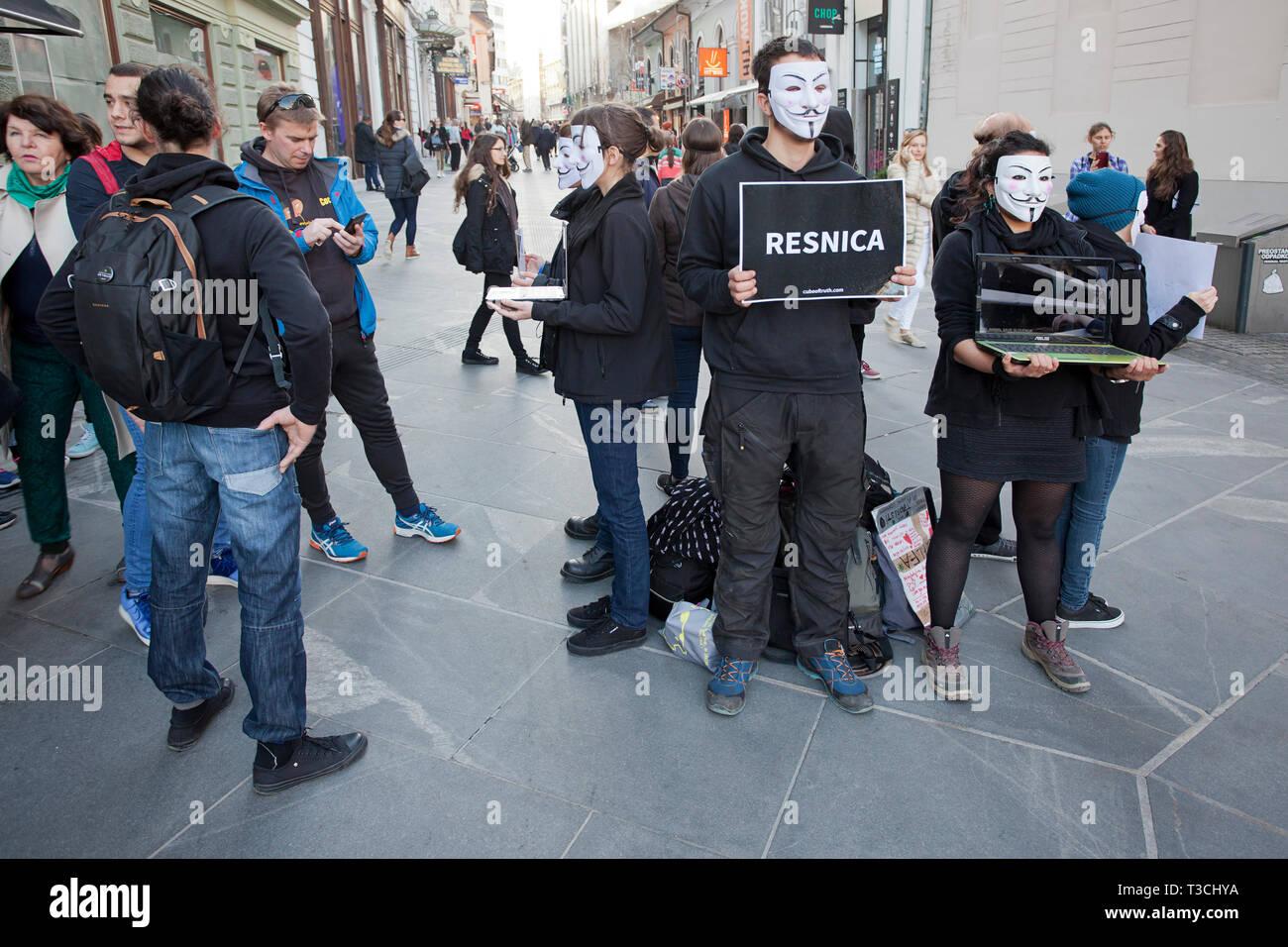 """""""Resnica' o 'la verdad' - Un protestando por el impacto de la agricultura industrial moderna, en la cría de animales Imagen De Stock"""