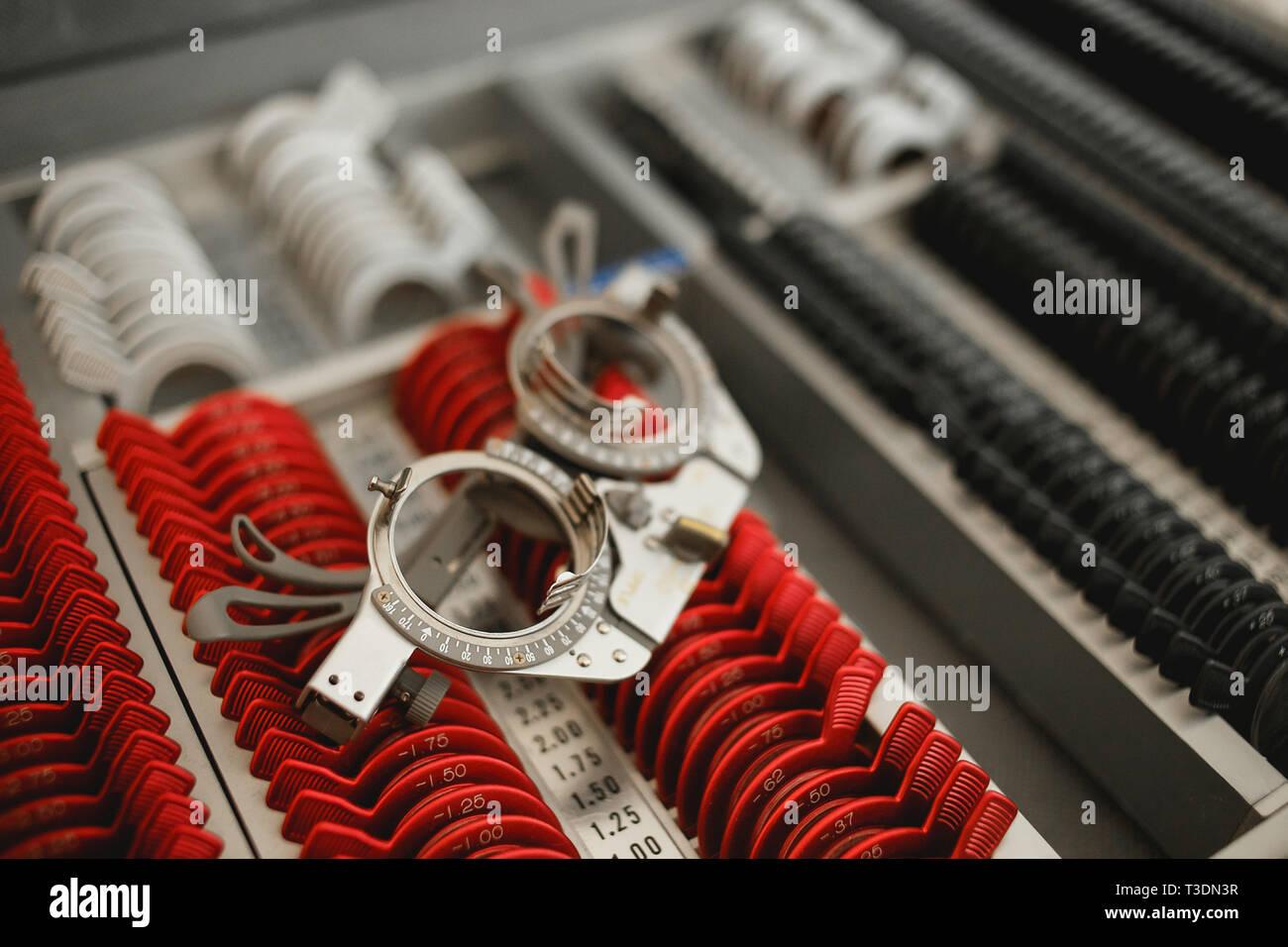 Equipamiento oftalmológico - conjuntos de juicio espectáculo lentes. Foto de stock