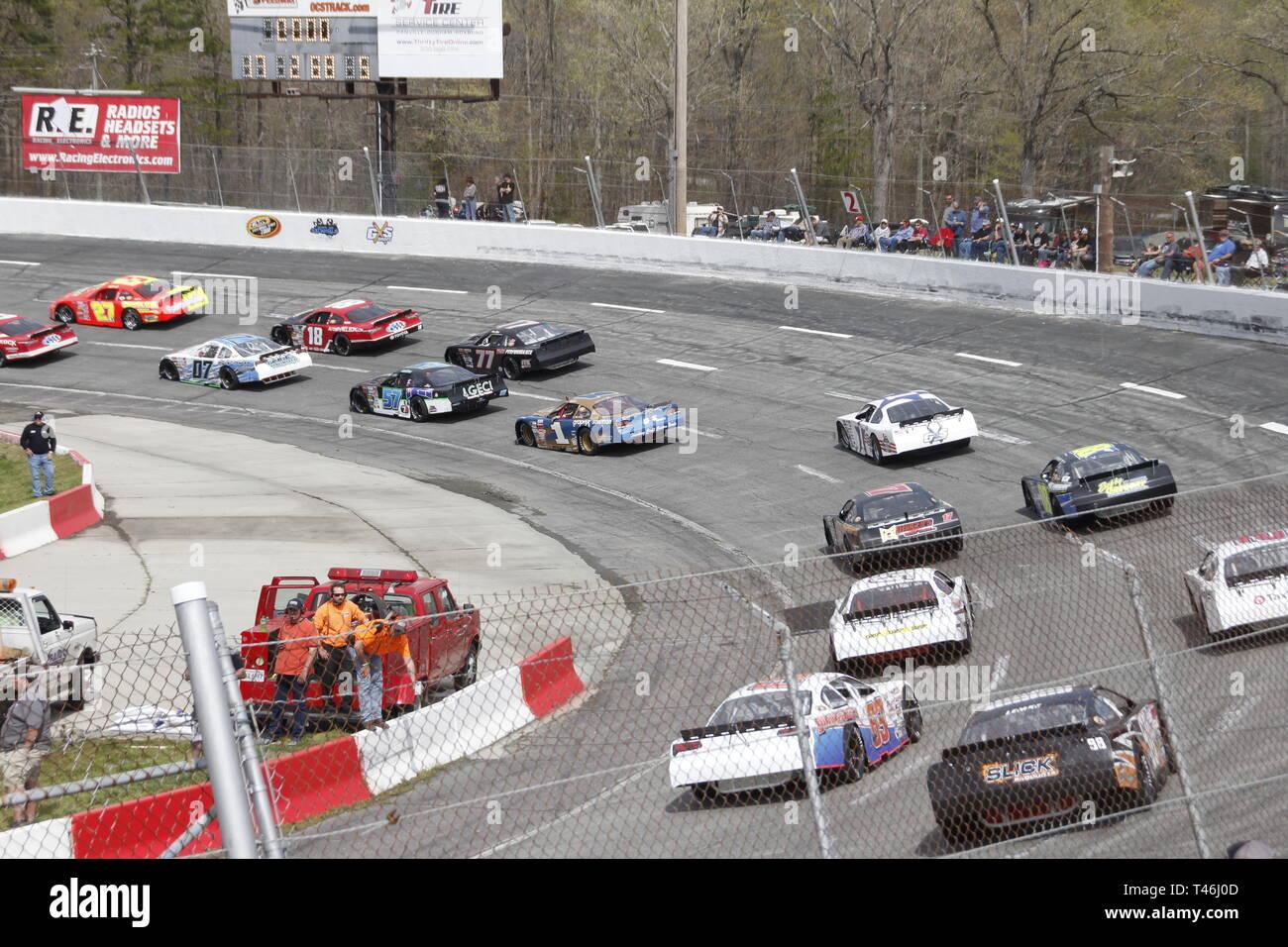 Coches de carreras en pista en Orange County Speedway Carolina del Norte Imagen De Stock