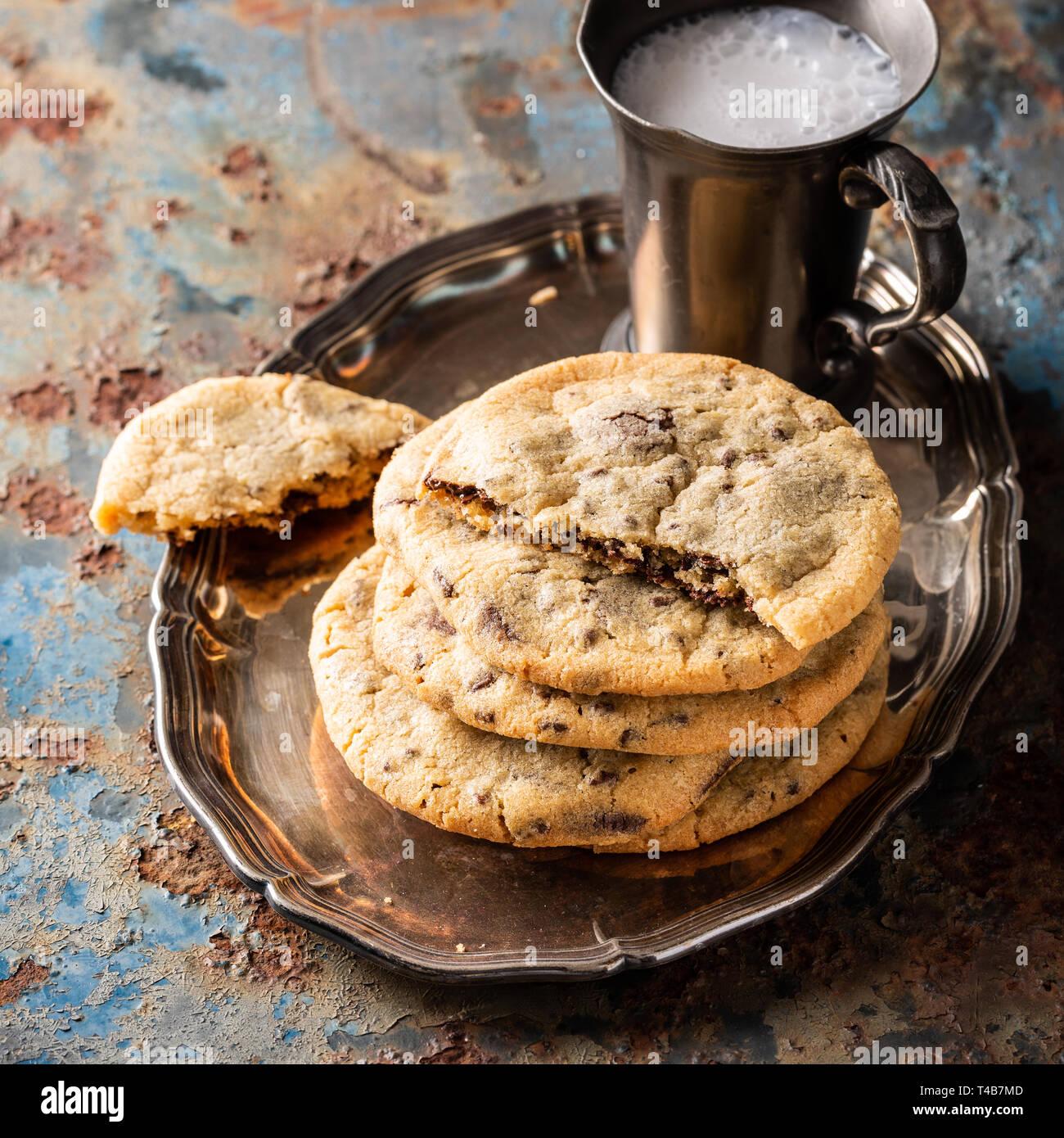Las galletas con trocitos de chocolate Foto de stock