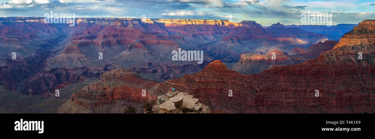 Atardecer en el Parque Nacional del Gran Cañón, South Rim, Arizona, EE.UU. Foto de stock
